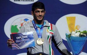دوری یک ماهه قهرمان کشتی المپیک بدلیل مصدومیت از ناحیه گردن