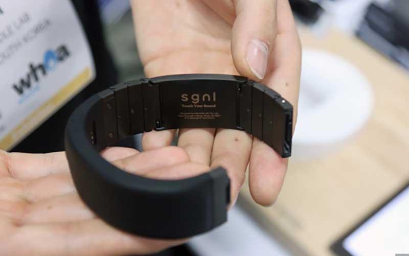 دستبند Sgnl، انگشت شما را به تلفن تبدیل میکند