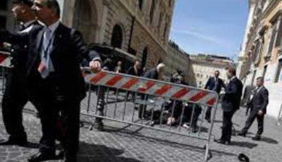 تیراندازی یک فرد مسلح در ایتالیا