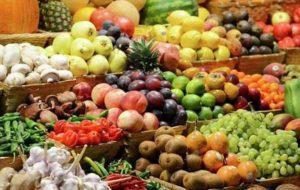 میوه را جایگزین شیرینی و شکلات کنیم/کمتر مواد قندی بخوریم