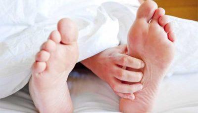 سه حرکت برای کاهش درد پاشنه پا