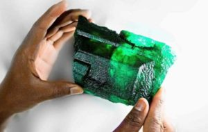کشف سنگ زمرد ۵۶۵۵ قیراطی در زامبیا!