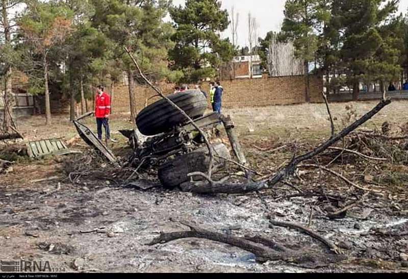 سقوط هواپيماى بوئينگ ٧٠٧ ارتش در کرج| جعبه سیاه پیدا شد| تحویل ۱۵ جسد به پزشکی قانونی+فیلم و عکس