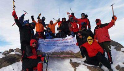 صعود کوهنوردان منتخب ارتش به قله ۳۵۸۰ متری یخچال در همدان