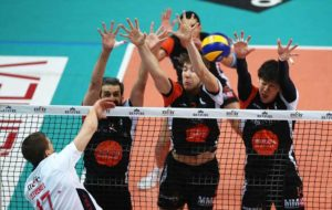 سری A۱ والیبال ایتالیا،شکست یاران معروف مقابل شاگردان جیانی