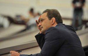 امیر رضا خادم در سه راهی وزارت کار، شستا و فدراسیون کشتی