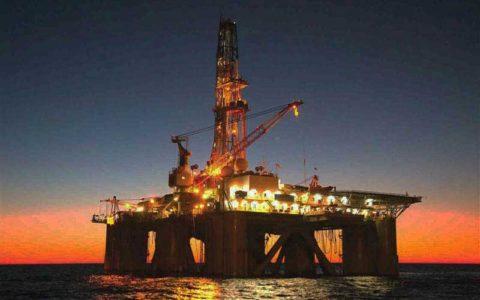 نفت سنگین ایران در فروردین ۴٫۳۵ دلار گران شد