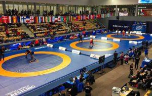 قضاوت ۷۰ داور در رقابتهای کشتی قهرمانی جهان