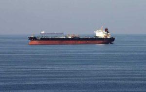۵ خریدار نفت عربستان: پس از حادثه فجیره، ممکن است خرید نفت را در کشتیهای کوچکتر انجام دهیم