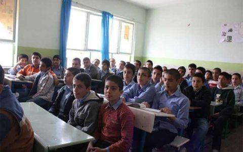 14 72 نوسازی مدارس, کمبود فضای آموزشی, کلاس درس