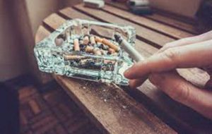 """خطرِ """"دود دستِ سوم سیگار"""" برای دستگاه تنفسی"""