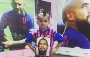 ملاقات کودک ایرانی با ستاره تیم بارسلونا