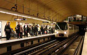 حبس شدن قطار مسافربری در تونلی در حومه پاریس