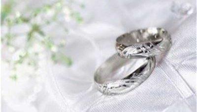 """""""ممنوعیت ازدواج در سنین پایین"""" از فرصت شاد زیستن میکاهد"""