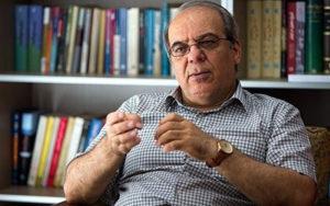 عباس عبدی: شخصیتهای خواهان نامزدی در انتخابات 1400 از حالا گرم نکنند