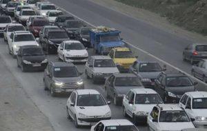 ترافیک سنگین در آزادراه کرج_تهران/ محور هراز همچنان مسدود است