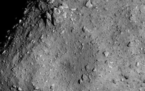 سنگهای فضایی به زمین سفر میکنند