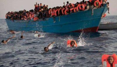 واژگونی یک قایق حامل ۵۰ مهاجر در آبهای ساحلی لیبی
