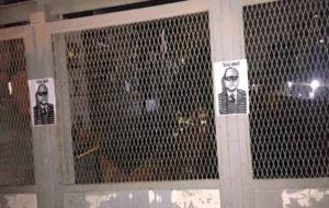نصب پوستر علیه السیسی