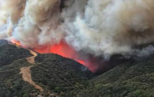 هشدارِ گسترش آتشسوزیها در جنوب کالیفرنیا