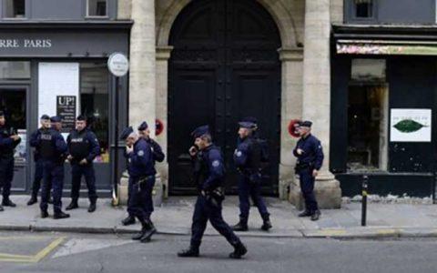 سرقت نیم میلیون یورویی از فروشگاه لباس در پاریس