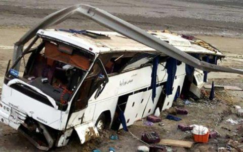 مصدومیت 18 دانشآموز بر اثر واژگونی «مینی بوس»