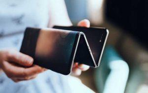 گوشی تاشو TCL با سه صفحه و دوبار تاخوردن، صفحهنمایش ۱۰ اینچی خواهد داشت