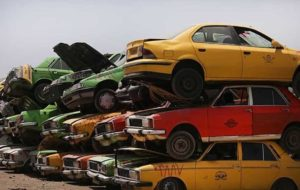چالش تاکسی فرسوده در کشور/ احتمال خانهنشینی رانندگان کم بضاعت