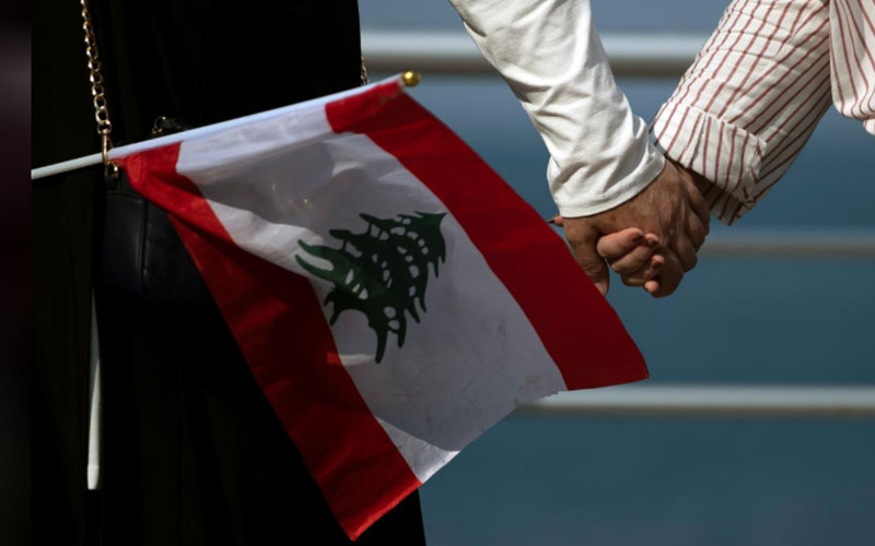 303 6 معترضان, لبنان, زنجیره انسانی
