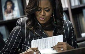 تجربه جدید میشل اوباما در دنیای ادبیات