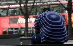 خطراتی که افراد چاق را تهدید میکند