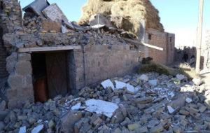 زلزله زدگان سراب سرمای 12 درجه زیر صفر را تجربه میکنند