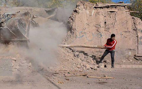 ساخت واحدهای مسکونی اضطرای برای روستاییان زلزله زدهی سراب