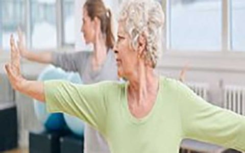 فعالیت بدنی خطر شکستگی استخوان را در زنان یائسه کاهش میدهد