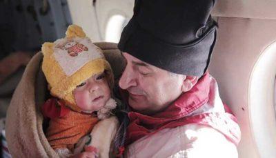 نجات مادر و کودک ۱۲ ماهه از ارتفاعات برفگیر