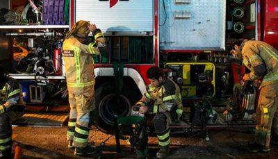 آتش سوزی گسترده در انبار لباس در چهارراه استانبول