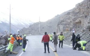 اقدام شهرداری برای نگهداشت و پاکسازی جاده امامزاده داوود