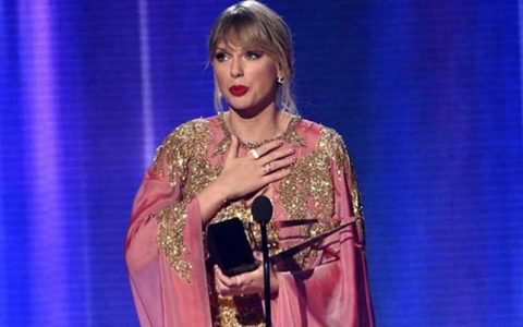 بهترین خواننده ۱۰ سال اخیر معرفی شد