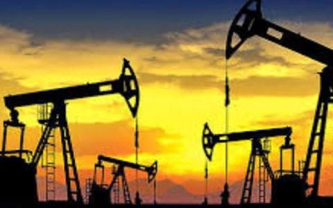 تعداد دکلهای نفتی آمریکا در مسیر نخستین کاهش سالانه از سال 2016