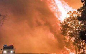 تلاش گسترده برای مهار آتشسوزیهای استرالیا با پیشبینی افزایش دما