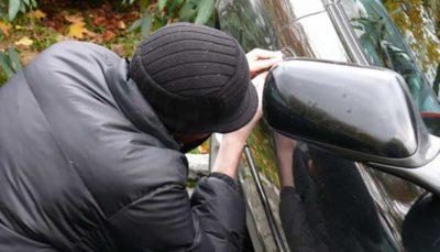 دستگیری سارق باطری خودروهای غرب پایتخت و مالخر اموال سرقتی