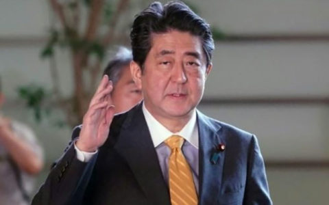 ژاپن هم ائتلاف با آمریکا را میخواهد هم امکان خرید نفت ایران را