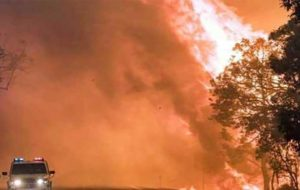هشدار آتشنشانان استرالیایی نسبت به حریقِ مهارنشدنی