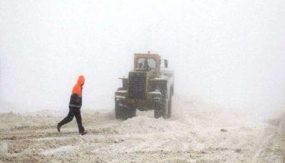 به ۵۱۳ گرفتار در برف و کولاک