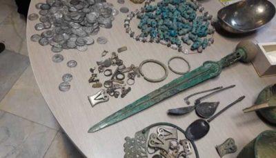 یک گنجینه از آثار تاریخی در تهران کشف و ضبط شد