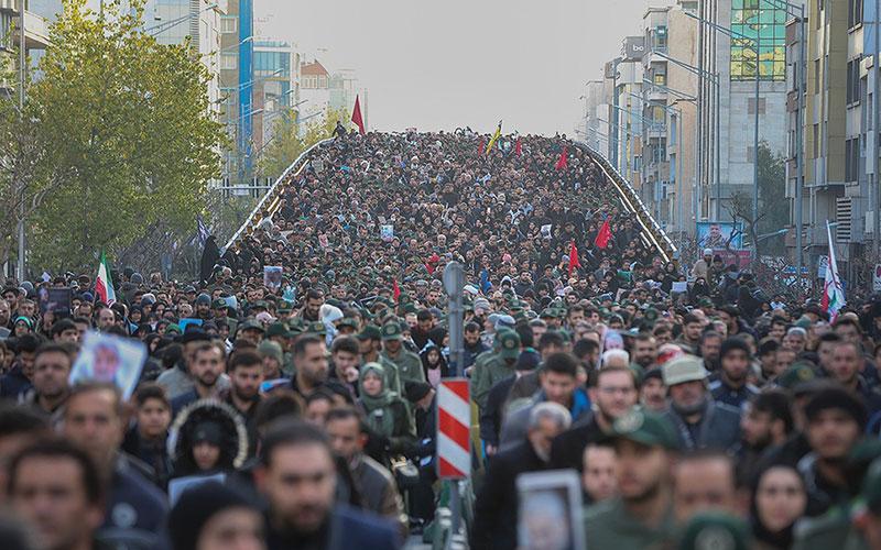 تشییع پیکر سپهبد شهید قاسم سلیمانی در تهران (تصاویر)