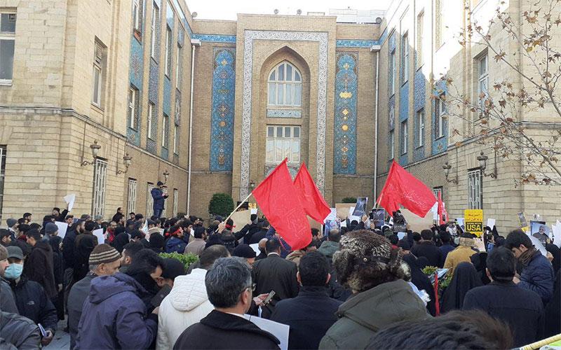 تجمع امروز علیه اظهارات وزیر امورخارجه، مجوز ندارند