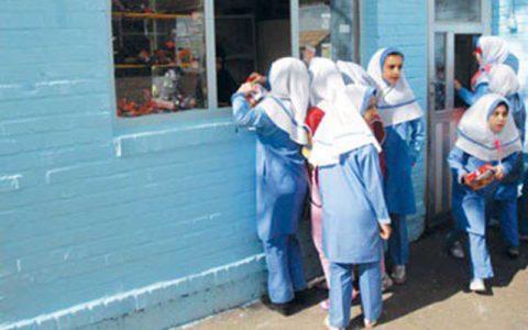 ابلاغ دستورالعمل مقابله با کرونا به مدارس/ ممنوعیت فروش ساندویچهای دستساز در مدرسه