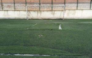 تمرین فوتبالیستهای ناشنوا روی موکت به جای زمین چمن! (عکس)
