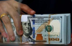 قیمتها در بازار ارز بالا رفت؛ دلار در آستانه ورود به کانال ۱۴